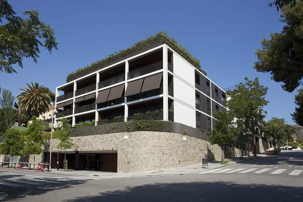 Apartments building at Pedralbes-Barcelona